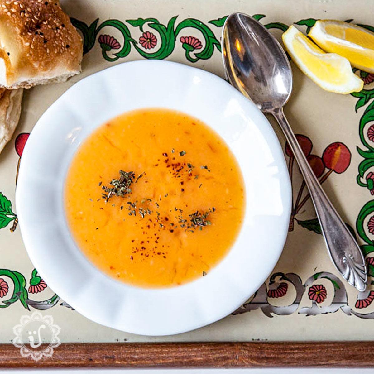 Türkische Tarhana Suppe, Tarhana Çorbası, Päckchensuppe, Tütensuppe, Tarhanamehl, Tarhanapulver, Tarana, Instant Suppe, Ur-Tütensuppe, traditionell, türkische, Suppe, schnell, lecker
