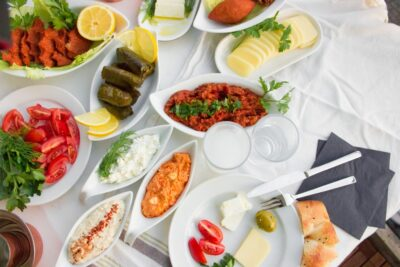 Meze sofrasi, Vorspeisen, Tapas, mezze, Türkische Rezepte