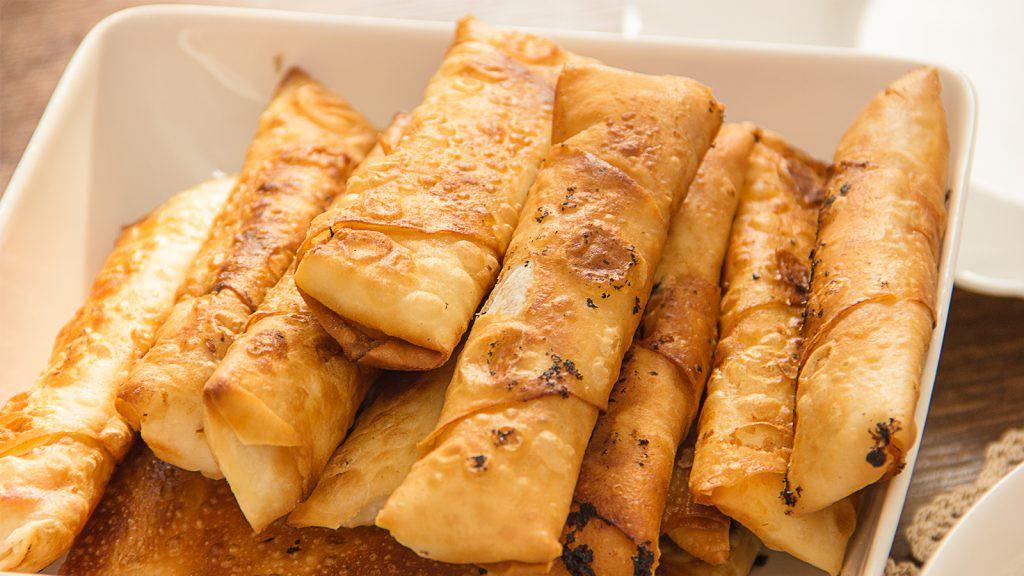Paçanga Böreği - Yufka-Teigröllchen mit Pastırma