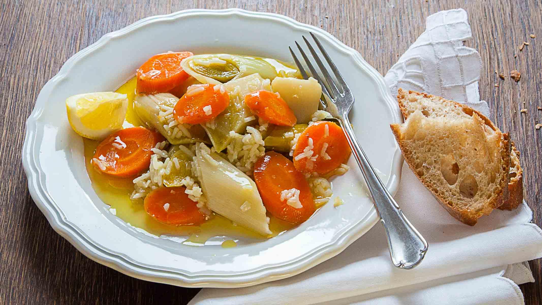 Lauchgemüse in Olivenöl ~ Zeytinyağlı pırasa, Gemüsegerichte, Vegan, Gesund, lecker, Kategorie Zeytinyağlı Yemekler, Türkische Küche, türkisches Essen, Vegetarisch