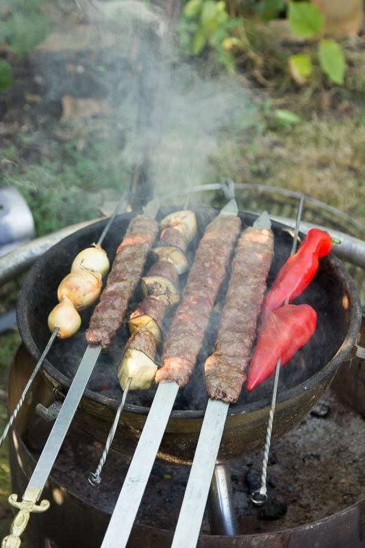 Grillen ~ des Türken liebste Beschäftigung im Sommer