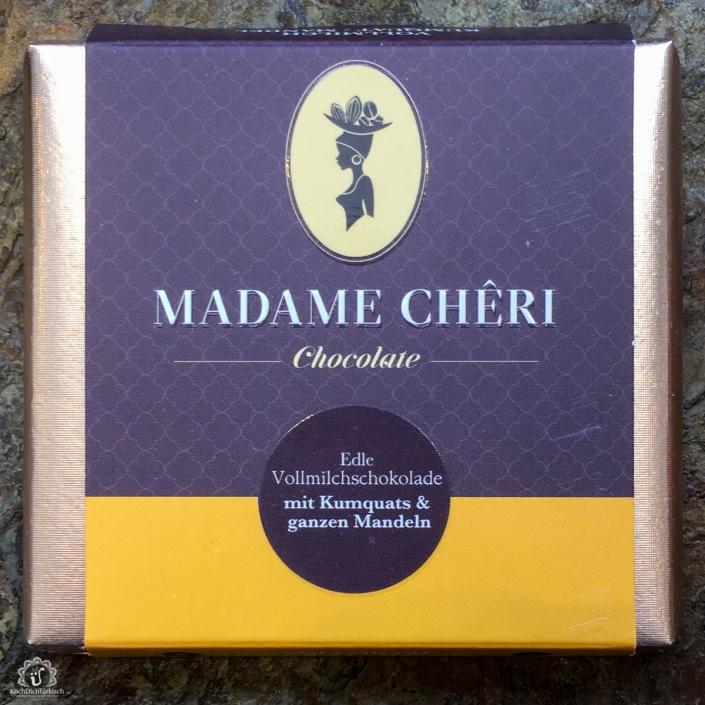MADAME CHĚRI - Vollmilch Kumquats mit ganzen Mandeln