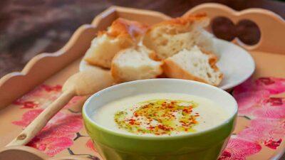 Yayla çorbası - Almsuppe, türkische Suppe