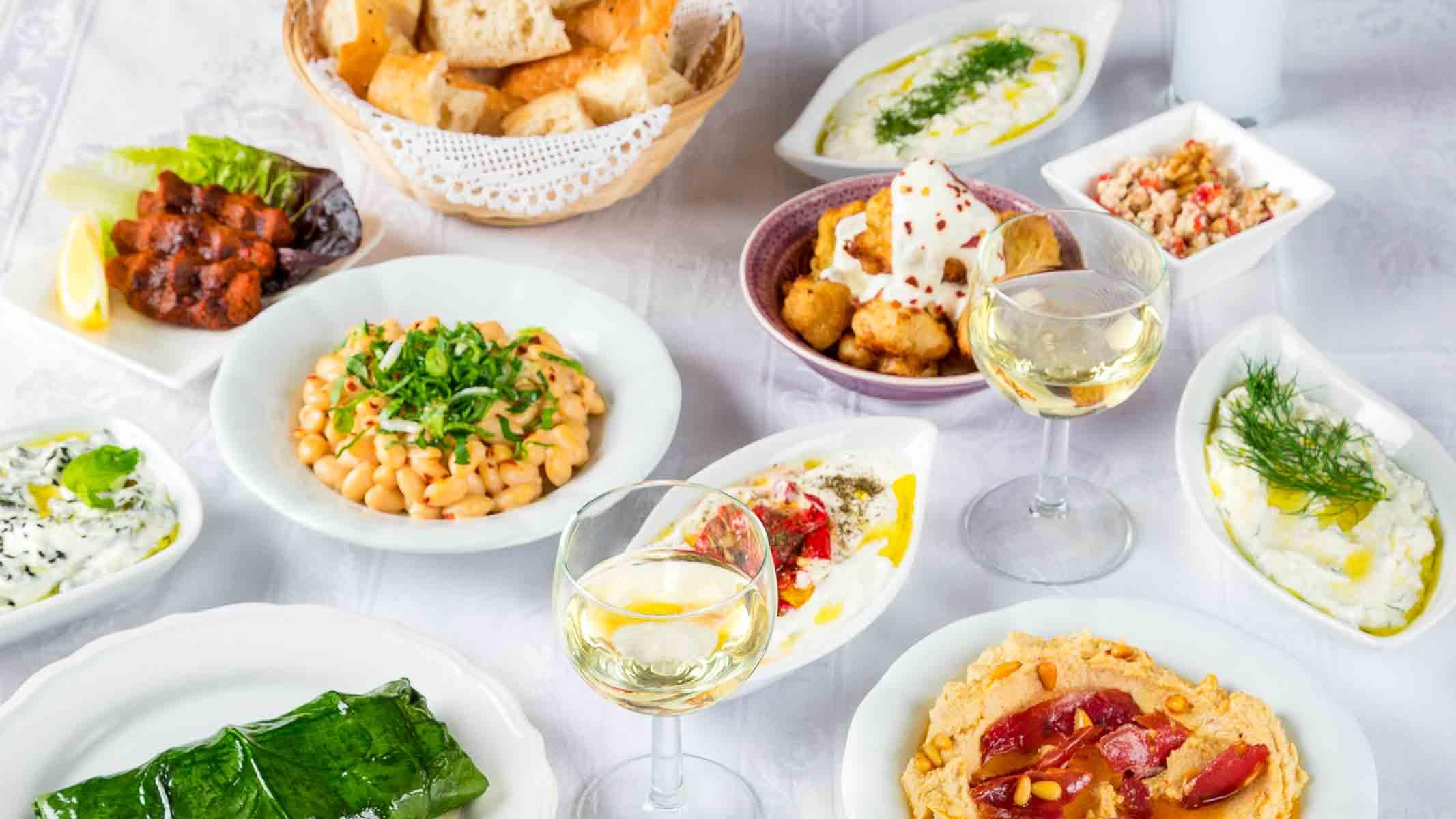Was geht? ~ Party, Kochkurse, Wein, Rakı und typisch türkisch tafeln