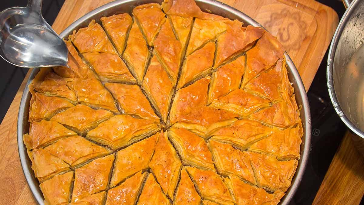 Cevizli Baklava ~ Süße Filoteigschnitten mit Walnuss-Füllung ~ Rezept