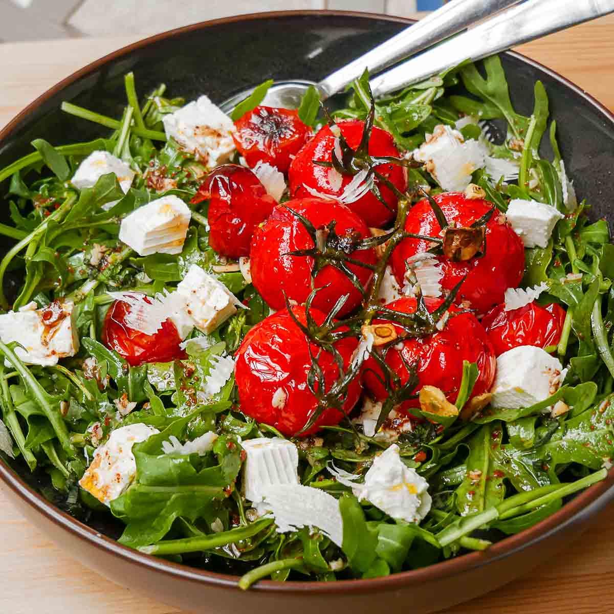 KochDichEM: Türkei vs. Italien Salat mit Gerösteten Tomaten ~ Fırınlanmış domates salatası, Spaghetti Pastırmara, KochDichEM, 2020, Fußball EM 2021