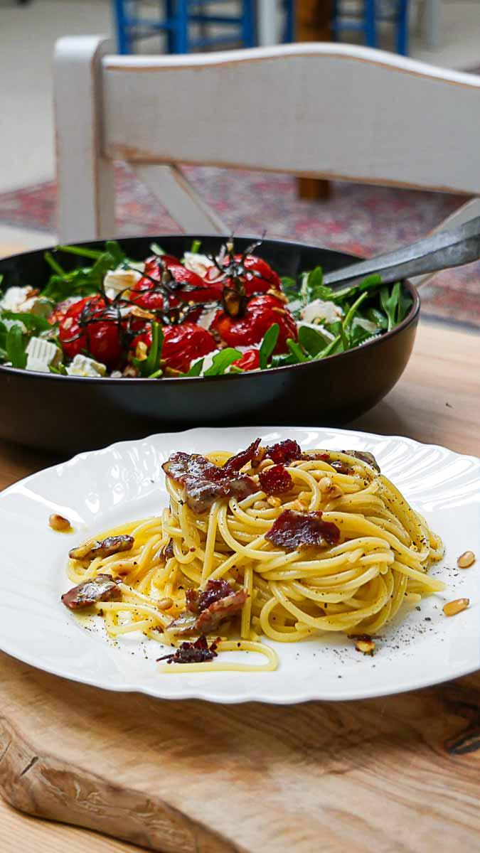 KochDichEM, 2020, 2021: Türkei vs. Italien ~ Spaghetti Pastırmara & Salat mit Gerösteten Tomaten ~ Fırınlanmış domates salatası